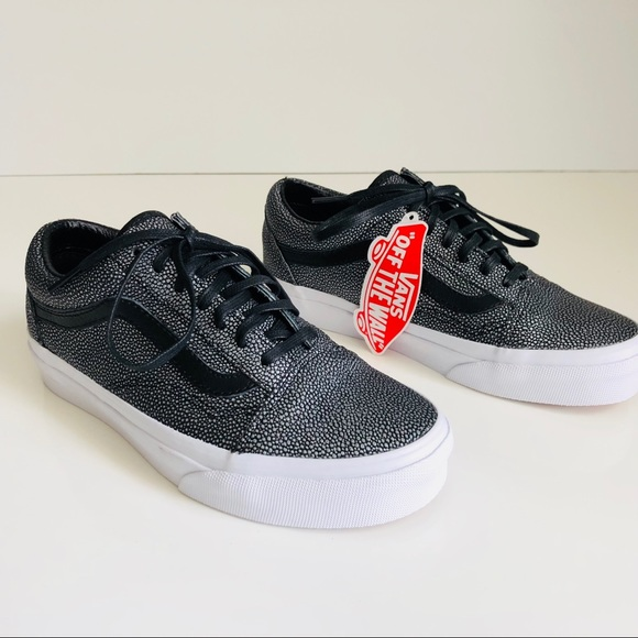 fbe7a5930edd42 Vans Old Skool Embossed Stingray Black